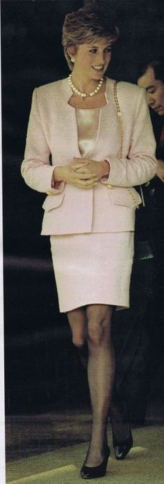 """Princess Diana  au  Japan   _ Février 1995      """" SUITE """""""