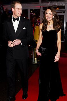now THAT is a gorgeous black gown.  Geez.