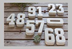 •Preis: pro 1 Zahl (bitte die benötigte Menge in den Warenkorb legen und die Zahl(en) beim Bestellvorgang nennen) •Farbe: Naturbeton (für farbliche Ausführung bitte den separaten Artikel in...