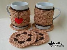 Crochet Mug Cozy, Knit Crochet, Clay Crafts, Diy And Crafts, Knitting Patterns, Crochet Patterns, Cozy Cover, Tea And Books, Crochet Kitchen