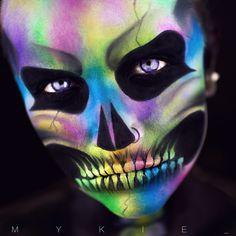 Beautiful colors pop with the black skull makeup Skull Makeup, Sfx Makeup, Costume Makeup, Amazing Halloween Makeup, Halloween Make Up, Halloween Face Makeup, Halloween Costumes, Amazing Makeup, Halloween 2018