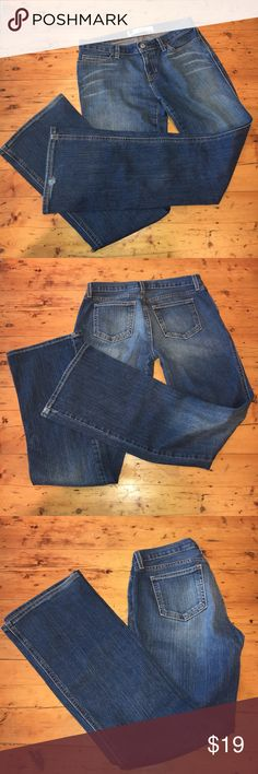 """GAP Ultra Low Rise Stretch Boot Cut Jeans ✔️GAP Ultra Low Rise Stretch Boot Cut Jeans ✔️These jeans are loved, and super soft. They have a lot of life left in them. I ripped the size tag out, but believe they're a 6.  ✔️Some wear at the bottom back of one pant leg (shown in pictures) ✔️Waist 29 unstretched, 30"""" stretched ✔️Hips 36"""" unstretched, 41"""" stretched ✔️Inseam 31"""" ✔️Rise 7"""" GAP Jeans Boot Cut"""