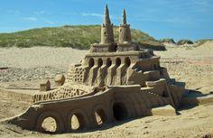 Havre-Aubert, concours de châteaux de sable  Sand Castle
