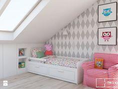 Mieszkanie w Warszawie 100m2 - Średni pokój dziecka dla dziewczynki dla malucha, styl klasyczny - zdjęcie od Twój Kwadrat