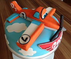 "Disney´s Planes ""Dusty"" Cake 1 by mehralsnureinetorte, via Flickr"