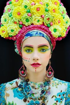 Photographer Ula Kóska in collaboration with makeup artist Beata Bojda has made an unbelievable Slavic-themed photoshoot that features Polish folklore elements. The Polish artists co-operated on a project where a couple of models were dressed in Floral Headdress, Photoshoot Themes, Portraits, Beauty Photos, Mode Inspiration, Folklore, Bunt, Pop Art, Fashion Art