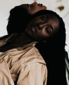 black women have curves Most Beautiful Black Women, Black Love, Black Art, Black Girl Magic, Black Girls, The Embrace, Brown Skin Girls, Dark Skin, People
