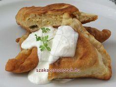 Gömöri pirogok • Recept | szakacsreceptek.hu Savoury Cake, Camembert Cheese, Dairy, Tarts, Food, Basket, Mince Pies, Pies, Meals