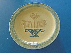 Pfaltzgraff America Vase Dinner Plate