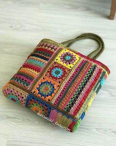 Free Crochet Bag, Crochet Clutch, Crochet Square Patterns, Crochet Handbags, Crochet Purses, Crochet Geek, Crochet Crafts, Crochet Stitches, Freeform Crochet