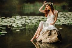 Beautiful red haired girl in white vintage dress and wreath of flowers sitting on a snag in the middle of lake. Beautiful World, Beautiful Images, Lake Photography, Boudoir Photography, Red Hair Don't Care, Romantic Images, Outdoor Fashion, Bright Hair, Creative Portraits
