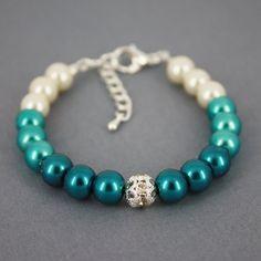 **Really Like** Bracelet idea: Shades of Teal Ombre Bracelet by etsy shop DaisyBeadzJoaillerie