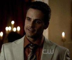 Logan Fell played by Chris R Johnson Damon Salvatore, Serie Vampire Diaries, Vampire Dairies, Mystic Falls, Paul Wesley, Nina Dobrev, Logan, Originals, Cute