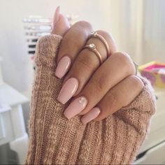 My nails are terrible, they won& grow. So I always use fake nails to be mor. - - My nails are terrible, they won& grow. So I always use fake nails to be more feminime. Gorgeous Nails, Love Nails, How To Do Nails, Pretty Nails, My Nails, Soft Pink Nails, Jewel Nails, Point Nails, Nail Pink