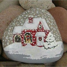 Christmas House hand-painted river rock Christmas gift by RocksOK Pebble Painting, Pebble Art, Stone Painting, Painted River Rocks, Hand Painted Rocks, Painted Stones, Stone Crafts, Rock Crafts, Christmas Rock