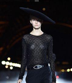 Saint Laurent SS18 Womenswear Fashion Show  Pic by @voguerunway • • • MYRIAM VOLTERRA LUXURY BUYING OFFICE luxuryitalianbrands.com IN FASHION SHOW #saintlaurentSS18 #ss18womenswear #SS18Runway #WomenswearRunway #ss18womenswearfashionshow #MyriamVolterra #MyriamVolterrainFashionShow #pfw #moda #fashion #followthebuyers #buyers #saintlaurent @ysl @voguerunway