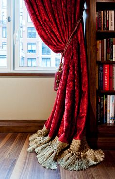 Drapes Curtains, Drapery, Classic Curtains, Classic Window, Room Divider Curtain, Modern Bedroom Furniture, Curtain Designs, Beautiful Interiors, Home Living Room