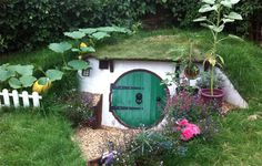 Meet the Guy Who Built His Own Fully Functional Hobbit House | RELEVANT Magazine <-- Oh my gosh. This is incredible. Dream writing/reading cavern.