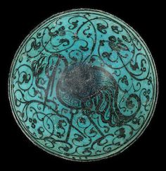 A KASHAN UNDERGLAZE-PAINTED POTTERY BOWL Persia, 12th Century