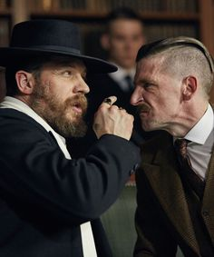 Tom Hardy and Paul Anderson in Peaky Blinders Series Peaky Blinders Tv Series, Peaky Blinders Season, Tom Hardy, Paul Anderson Peaky Blinders, Birmingham, 007 Casino Royale, Alfie Solomons, Finn Cole, Red Right Hand