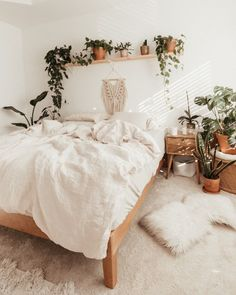 Room Ideas Bedroom, Bedroom Decor, Bedroom Inspo, Dream Bedroom, Boho Teen Bedroom, Nature Bedroom, Bedroom Inspiration, Cute Room Decor, Aesthetic Room Decor