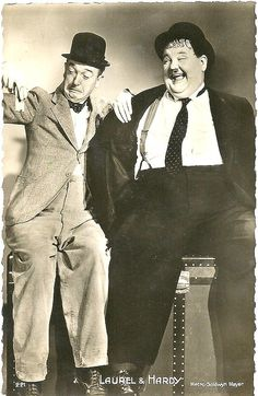Laurel and Hardy Stan Laurel made his stage debut at the Britannia Panopticon Laurel And Hardy, Stan Laurel Oliver Hardy, Great Comedies, Classic Comedies, Classic Movies, Star Hollywood, Golden Age Of Hollywood, Classic Hollywood, Cinema Tv