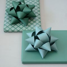The Gentle Journal How To Make A Gift Bow, Gift Bows, Homemade Gifts, Paper Goods, Origami, December, Presents, Gift Wrapping, Journal