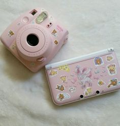 Camera Polaroid - A Helpful Article About Photography That Offers Many Ideas Polaroid Instax, Instax Mini Camera, Fujifilm Instax Mini, Polaroid Cameras, Polaroids, Vintage Polaroid Camera, Camara Fujifilm, Kawaii Games, Camera Art