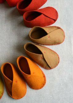 Felt Baby Shoes DIY - cute!
