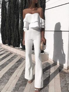 Solid Ruffled Design Off Shoulder Jumpsuit - Mode Tutorial and Ideas Ruffle Jumpsuit, Jumpsuit Outfit, Jumpsuit With Sleeves, Prom Jumpsuit, White Jumpsuit, Elegant Jumpsuit, Strapless Jumpsuit, Short Jumpsuit, Casual Jumpsuit