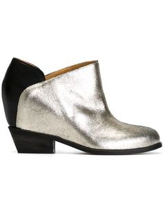Shop Mm6 Maison Margiela ankle boots in Nugnes 1920 from the world's best independent boutiques at farfetch.com. Shop 300 boutiques at one address.