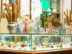 Here's a handy guide to ordering your gelato in Italy