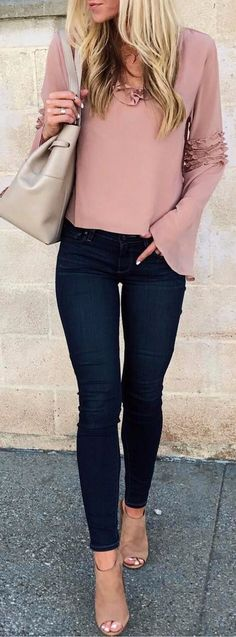 This color and these sleeves. I'm drawn to anything taupe or nude lately.👌🏻