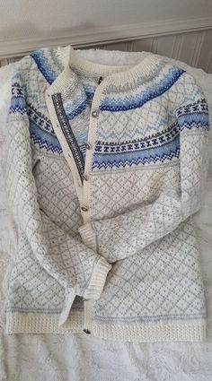 Røverkofte Fair Isle Knitting Patterns, Knitting Machine Patterns, Fair Isle Pattern, Knit Patterns, Cardigans For Women, Knitting Projects, Baby Knitting, Mantel, Knitwear