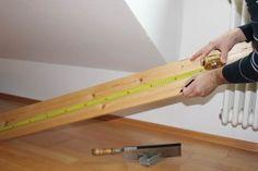 Holzregal selber bauen. Foto: Kollaxo