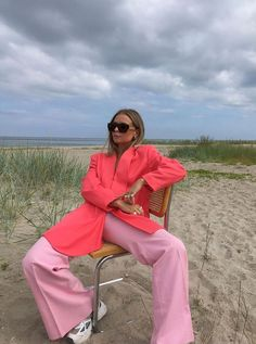 3 It Colours Are Already Trending For Autumn, and We're Buying Them - Stylish clothes Pink Fashion, Colorful Fashion, Fashion Outfits, Womens Fashion, Fashion Trends, Fashion Colours, Fashion Spring, 70s Fashion, Style Fashion