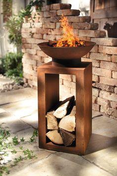 Fabulous originelle Feuerstelle mit integrierter Holzablage abnehmbare Schale Metall in trendigem Rostton