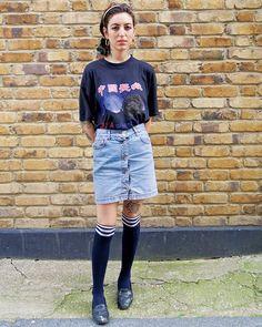 中国長城ロゴTは祖母からのお土産とのことGEEKな雰囲気が逆に今っぽい June issue P121 NEW BREAK OUT GIRLS IN THE WORLD model @chiara_baima_poma all items #vintage #nylonjapan #nylonjp #fashion #snap #streetsnap #worldsnap #streetstyle #breakoutgirls #london #caelumjp #coordinated #coordinates #ootd #outfit #coordinate #code #instafashion  via NYLON JAPAN MAGAZINE OFFICIAL INSTAGRAM - Celebrity  Fashion  Haute Couture  Advertising  Culture  Beauty  Editorial Photography  Magazine Covers  Supermodels  Runway Models