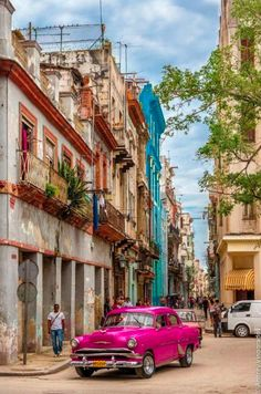 9-day itinerary to discover Cuba, its culture, nature and architecture.
