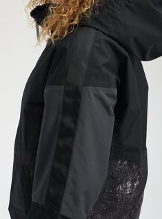 Shop the Women's Burton Loyle Parka along with more winter jackets and outerwear from Winter 2020 at Burton.com Shirt Jacket, Rain Jacket, Bomber Jacket, Outerwear Women, Outerwear Jackets, Womens Snowboard Jacket, Burton Snowboards, Snow Pants, Parka