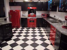 retro kitchen accessories diner decor for home design and Home Decor Kitchen, 50s Style Kitchens, Kitchen Decor Themes, Vintage Bedroom Decor, Retro Kitchen Tables, Retro Kitchen Accessories, Retro Diner, Diner Decor, Kitchen Decor Apartment