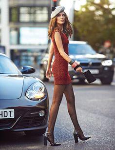 Minivestido con 'print' de leopardo (165 €9, de Claudie Pierlot. Boina con pompón (31 €), de Hat Attack. Brazaletes de metacrilato (39,99 €/u.), de Kenzo x H&M. Bolso de metacrilato (1.150 €), de Jimmy Choo. Medias de plumeti (12,95 €), de Calzedonia. Salones (671 €), de Michael Kors. Chevelle Ss, Chevy Camaro, Bugatti Veyron, Porsche 911, Porsche Boxster, Jimmy Choo, Elle Spain, Porsche Models, Vintage Porsche
