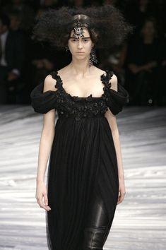 Alexander McQueen at Paris Fashion Week Fall 2008 - Runway Photos