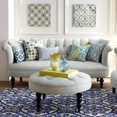 The old-is-new sofa style is one of the new ideas in home design for Coastal Living Rooms, New Living Room, Coastal Homes, Country Furniture, Sofa Furniture, Furniture Ideas, French Country Sofa, Family Room Colors, Hm Home