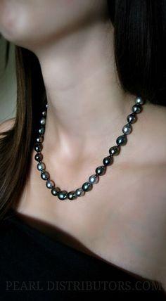 Baroque Tahitian pearl necklace #Tahitian pearl