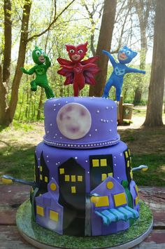 For a gitl who loves PJ Masks. I tried to find the toy figurines, but the cartoon is so new, they don't have. Pj Masks Birthday Cake, 4th Birthday Cakes, Birthday Parties, Very Happy Birthday, Third Birthday, Pj Max, Mask Party, Pj Party, Cake Central