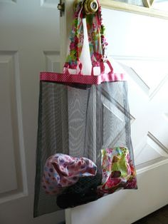 Small Fry & Co. : Oversized Window Screen Beach Bag Tutorial