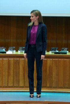 Queen Letizia of Spain Photos - Spanish National Transplant Organization Ceremony - Zimbio