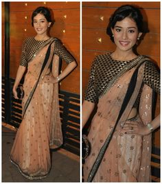 Amrita Rao looked lovely walking the red carpet at the Filmfare Awards. She chose a Payal Singhal creation for the big night and wowed us with this look.