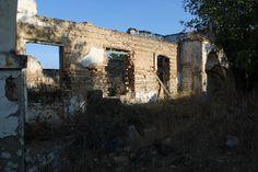 cortijos abandonados Mansions, House Styles, Home Decor, Decoration Home, Manor Houses, Room Decor, Villas, Mansion, Home Interior Design